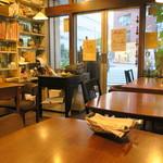 Putali Cafe - カレー屋さんとカフェを折衷したような雰囲気の店2