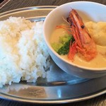 yaesu海老バル richPakchi - 福井県産モチ海老とチキン野菜のグリーンカレー