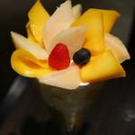 70789093 - 山梨県産白桃とマンゴーのパフェ