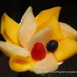70789095 - 山梨県産白桃とマンゴーのパフェ