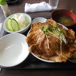 70791485 - ランチ豚丼(大)1100円+ランチセット100円
