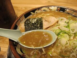 関西 風来軒 大阪本店 - 豚骨醤油スープ