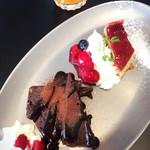 BUSHWICK GRILL - デザート2種の盛合せ(チェリーパイとブラウニー)