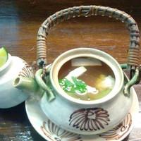 旬亭 - 鱧と松茸の土瓶蒸し