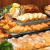 レストラン ビュッフェテラス - 料理写真:「 朝食バイキング 」いつもの朝をとっておきの朝にしてくれるフレッシュな野菜とこだわりの自家製パンをお楽しみください。