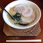 もち家 - 料理写真:秘蔵ラーメン(1,000円)ネギ抜き