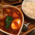 スープカレー屋 鴻 - チキンカレー赤