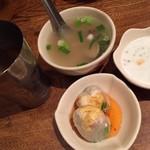 タイ東北料理イサーンキッチン - 辛酸スープ美味、お茶ナイス!サクーも嬉しい