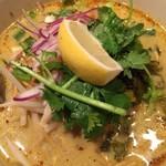 タイ東北料理イサーンキッチン - 期待のカオソーイ、揚げ麺少ないものの