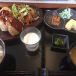 玉田豆腐店 - 料理写真:3種類の揚げない油揚げコロッケセット