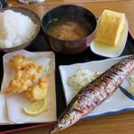 ヨッシャ食堂 - 料理写真:さんま  鱧天ぷら  出汁巻き  ごはんは普通でも多め  味噌汁もお椀が大きくたっぷり