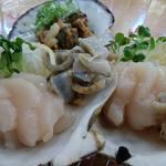 みなと市場 小松鮪専門店 - 「ホタテ刺身」