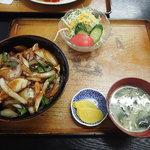 70807725 - 豚丼