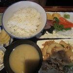 えんざ - えんざの定食「本日の刺身、豚の生姜焼き」