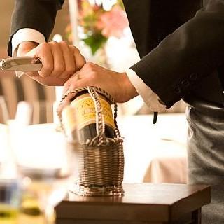 日本屈指のソムリエが厳選するワイン。品揃えは関西随一級!