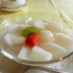 70810187 - 飲茶ランチの杏仁豆腐