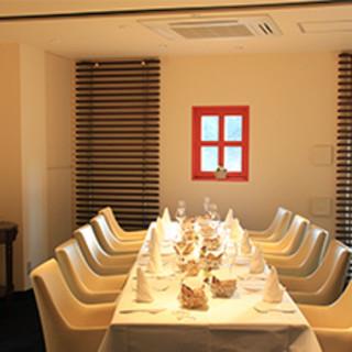 10席でもてなす特別な空間◎大切な日のお食事にも最適です。