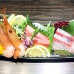 九州薩摩地鶏×個室居酒屋 由布院 新橋烏森店 - 鮮魚のお造り3種(菖蒲コース)