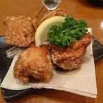 日本酒バル YODARE - がっつり鶏の唐揚げ