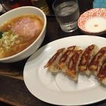 盛壱 - 醤油らーめんと餃子
