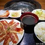 きらく苑 - 焼肉定食(並盛)