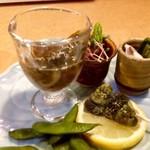 梨庵 - ◆前菜・・どの品もツマミに最適で、美味しい。 「糸島太モズクとクラゲの酢の物」「ローストビーフ」「ヤリ烏賊&分葱・黒胡麻和え」「だだ茶豆」「なんとか貝」