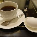 喫茶 イースタン - 2017.08 コーヒー(350円)とサービスのゆで卵