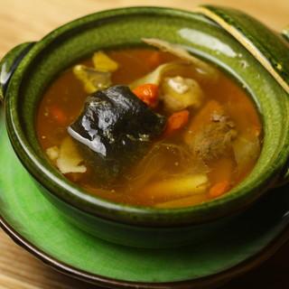 健康で、美しく――。その思いを【薬膳スープ】に込めて…