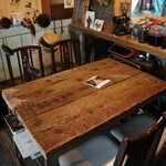 56cafe/bar - オーナーの前のこのテーブルで(2017.7.31)