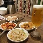 韓国料理 bibim' - 3種のお惣菜☆これだけでビールが美味