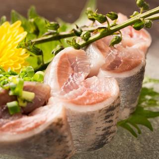 日本酒に良く合う!新鮮なお刺身は「万寿多」の自慢