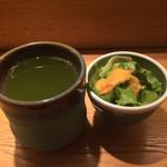 板前寿司 - ランチについてくるサラダと緑茶