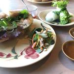 モクアソ - レバーパテとたまごのサンドセット 生春巻き・ドリンク・デザート付き  ¥1,250-
