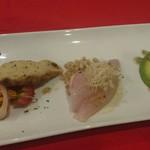 70846187 - 鮪のカルパッチョ、のどくろの炙り、鰆のフリットの前菜