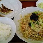 ラーメン まるとも - 料理写真:炒麺(まるともランチ)831円