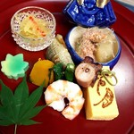 日本料理 花月 - 兜の中には加茂茄子