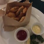 カフェ・トリアノン - 美味しいあまり写真がブレブレのフィッシュアンドチップス