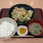 北のたまゆら - 料理写真:野菜炒め定食(420円)