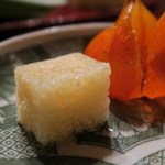 蕎麦 惠土 - ホオズキに収められたハモの卵の煮凝り。