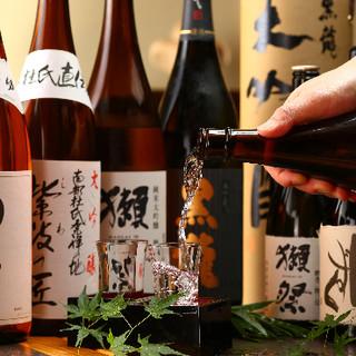 日本酒は全六十種類、定番酒厳選レア酒も。飲み方は「もっきり」