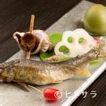 馳走 松宮 - 旬の魚介をお好みの調理法でご提供。艶やかな『鮎の塩焼き』 ※季節に応じて内容が変わります。