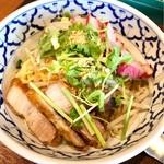 タイ料理バル タイ象 - 日替わりメニュー バミーヘン(タイ風まぜそば)900円
