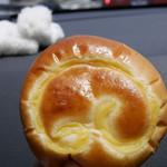 パン レザン - クリームパン