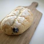 パン レザン - ハイジの白パンフルーツ