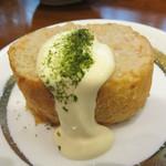 焼きやき亭 - 名物『えびパン』。 海老のすり身を塗り付けたフランスパンを焼いたもの。