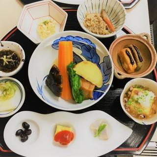 健康にこだわった【旬の食材】【添加物不使用】のお料理