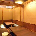 川西の和がや - 小上がり席は個室としても利用できます。