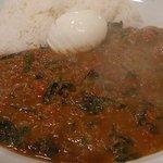 Curry House TIRI TIRI   - 熱々のミックスマサラとゆで卵
