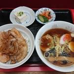 春華食堂 - 焼肉丼・半ラーメンランチ