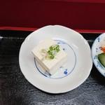 春華食堂 - 小鉢(焼肉丼・半ラーメン)